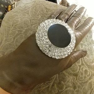 Jewelry - Enormous Vintage CZ & glass onyx brooch